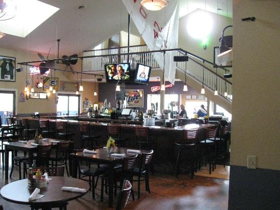 Waterfront Pub and Eatery