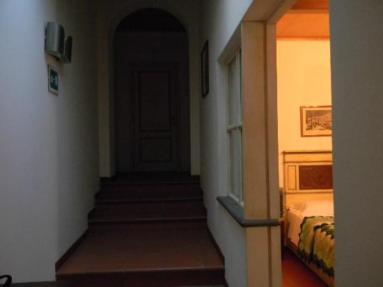 Panella's Residence: hallway of suite / room