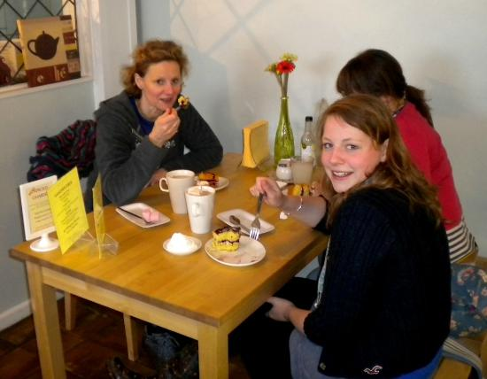 The Chocolate House: Girls who like cake!