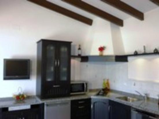 Finca Montgo: Los Establos kitchen