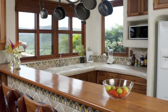 Pelican Eyes Resort & Spa: Kitchen at Casas