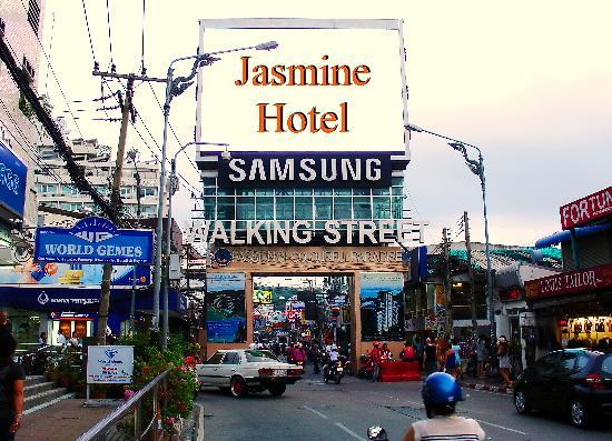 Jasmine Hotel Pattaya: Walking Street
