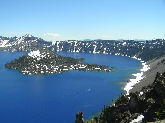 Americas Best Value Inn & Suites- Klamath Falls: Motel close enough to visit Crater Lake in day trip