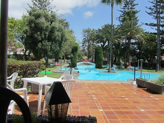 Biarritz Apartments: piscina