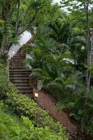 Pelican Eyes Resort & Spa: Stairways