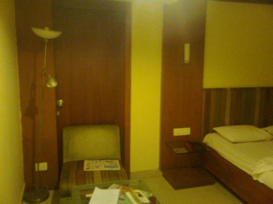 Nandhini Hotel - J.P.Nagar: sofa