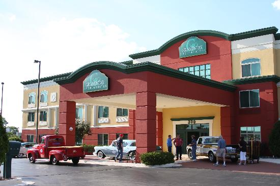 GrandStay Hotel & Suites Appleton-Fox River Mall: Freedom Road Rally 2012