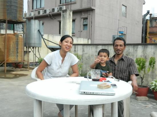 Hotel Red Planet: mahesj, his daughter and grandson