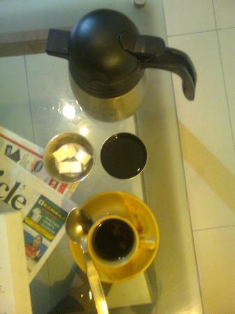 Nandhini Hotel - J.P.Nagar: try this black american coffee