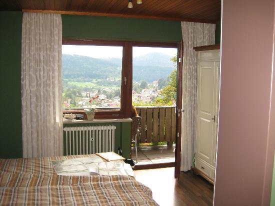 Villa Montara Bed & Breakfast: Blick auf den Balkon