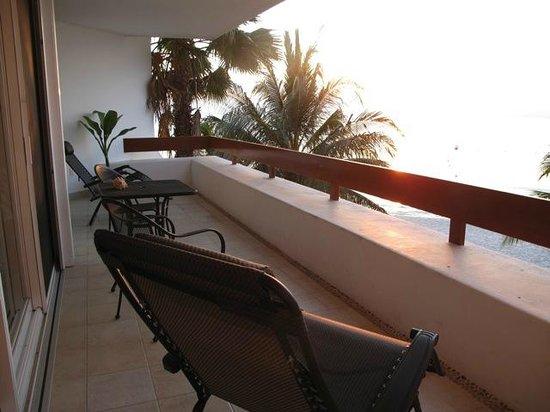 Residencias Reef Condos: Veranda