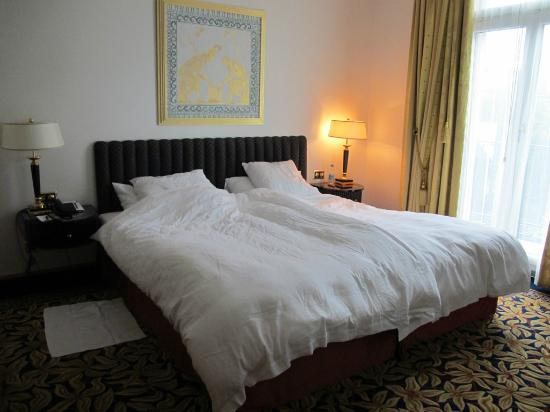 Savoy Baur En Ville: King-size Bett mit wohlfühl-Matratze