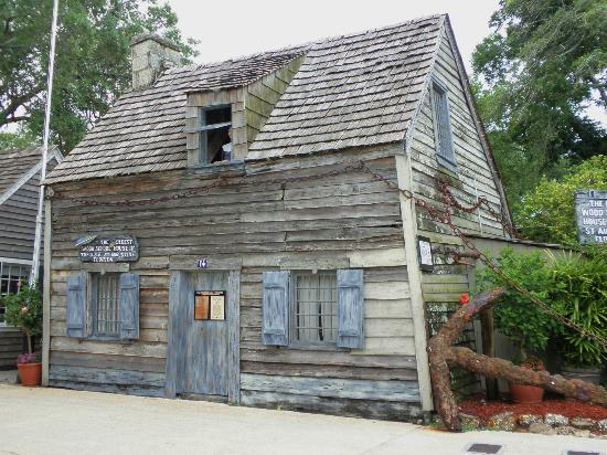 Southern Wind Inn: Oldest Schoolhouse 