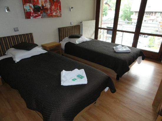 Hotel Les Rhodos : Our room