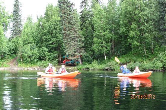 Denali Southside River Guides : Beyer's Lake Kayaking