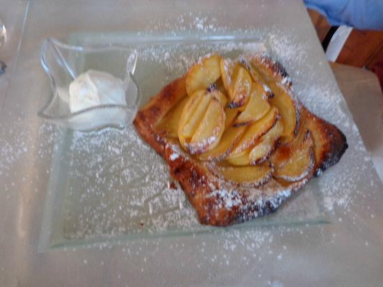 Hotel La Quartina : The lightest, most amazing apple tart. Heaven!!!!