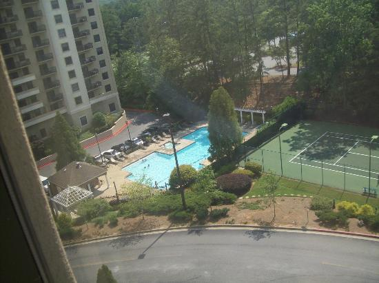 Holiday Inn Express & Suites Atlanta N-Perimeter Mall Area: Our View from 8th Floor