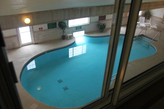 Cozy House & Suites: Inside Pool 1
