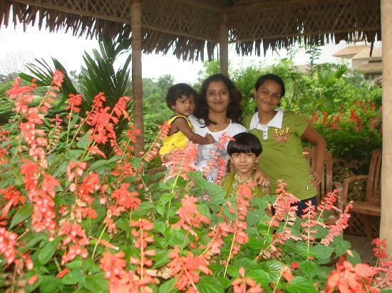 IORA - The Retreat,Kaziranga: Garden
