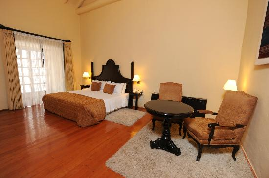 Novotel Cusco: Colonial Guest Room
