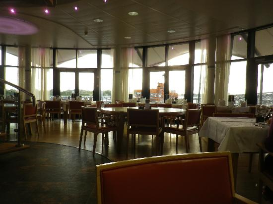 RNLI College: Riggers Restaurant