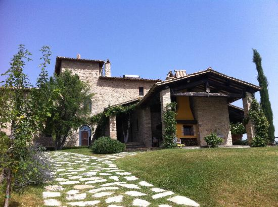 Tenuta Monte Volparo: view of the main house