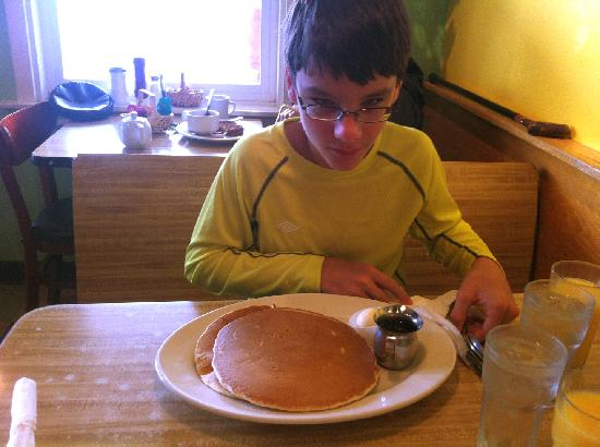 Rocky Bay Cafe : Pancakes as big as your head