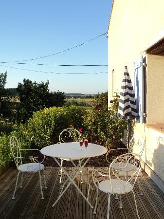 Domaine La Castagne: terrace