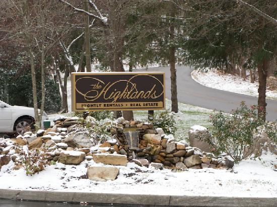 The Highlands Condominium - TEMPORARILY CLOSED: Highlands Condos - Grounds
