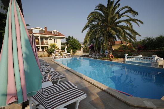 Mehtap Hotel: pool