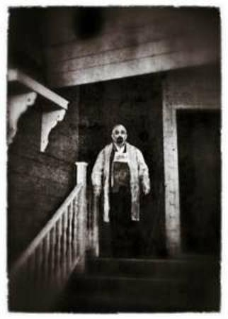 Haunted Mayfield Manor : Dr. Mayfield