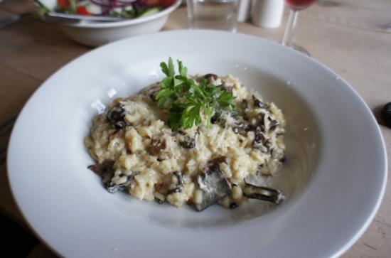 Pedro's Restaurant, Bar & Hotel: mushroom risotto