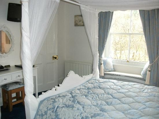 Bod Gwynedd Bed & Breakfast: The romantic Four Poster room. 1st floor