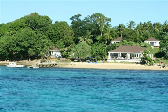 Reef Resort: Restaurant, Bar and jetty/beach