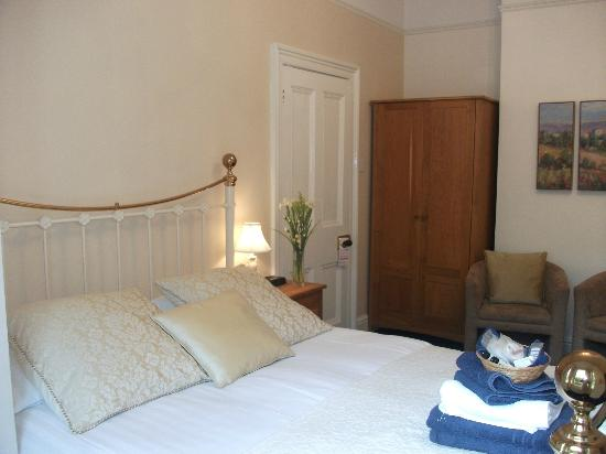 Bod Gwynedd Bed & Breakfast: Room 2. Kingsize Bed. Ground Floor