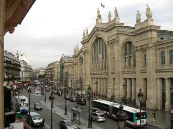 Kyriad Paris 10 - Gare Du Nord : View from our window