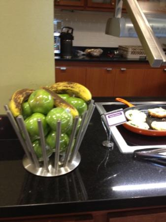 Hyatt Place Grand Rapids-South: there was also a variety of fresh fruit cut up