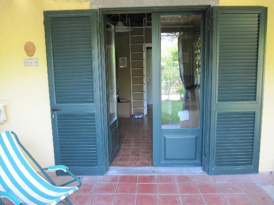 La Case del Principe: Terrasse mit Blick in die Wohnung