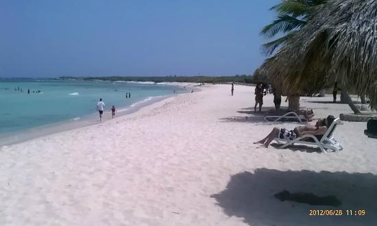 Paradera, Aruba : isolated beach near lighthouse