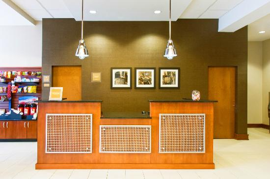 Four Points by Sheraton Raleigh Durham Airport: Front Desk
