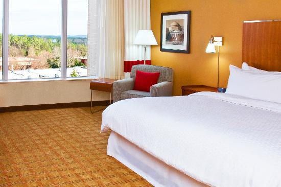 Four Points by Sheraton Raleigh Durham Airport : Guest Room
