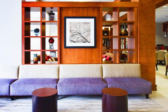 Four Points by Sheraton Raleigh Durham Airport: Lounge