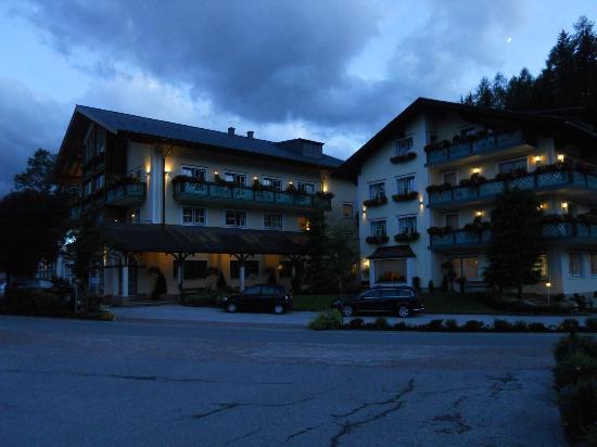 Hotel Annelies: avondstemming