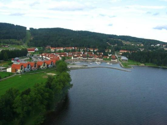View from a distance of Landal Marina Lipno.
