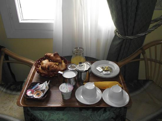 Villa Angelica: Breakfast in room!