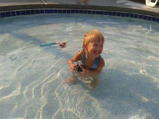 Ocean City, NJ: having a blast in the pool