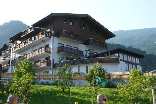 Natur - Aktiv Hotel Lamm: Vista posteriore