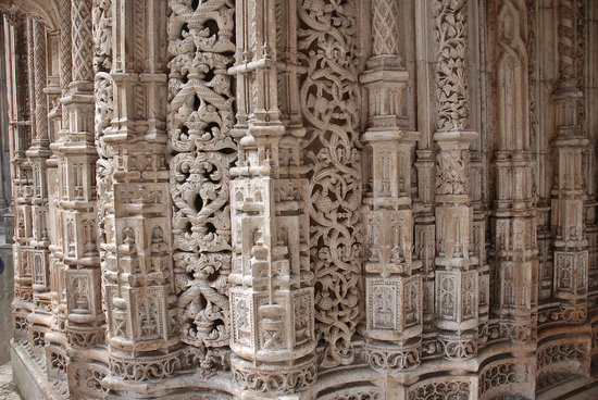 Batalha, Portugal : Carvings of the Capelas Imperfeitas