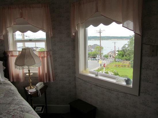 Anchorage Inn Bed and Breakfast: Some of our view