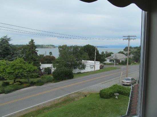 Anchorage Inn Bed and Breakfast: Another of the views from our room